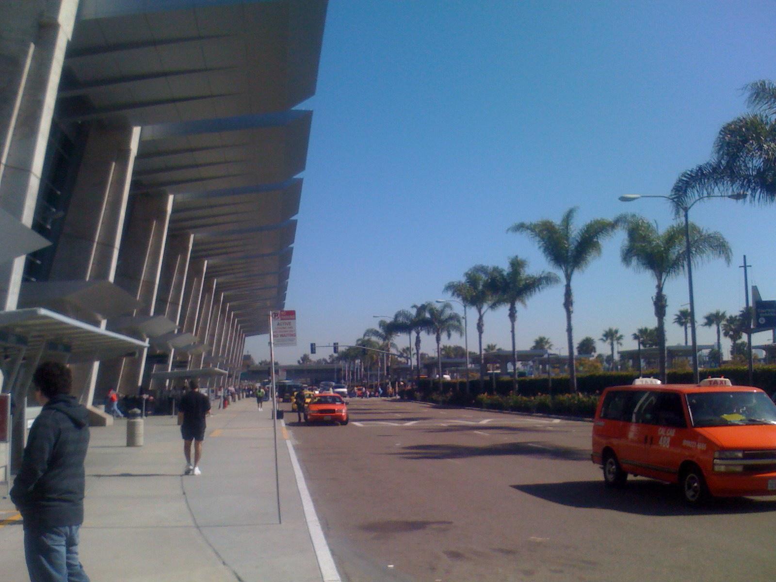 https://assets.sourcemedia.com/0a/45/433bbb8b4b56b3aa0e366d7838f1/san-diego-airport-terminal-2.jpg