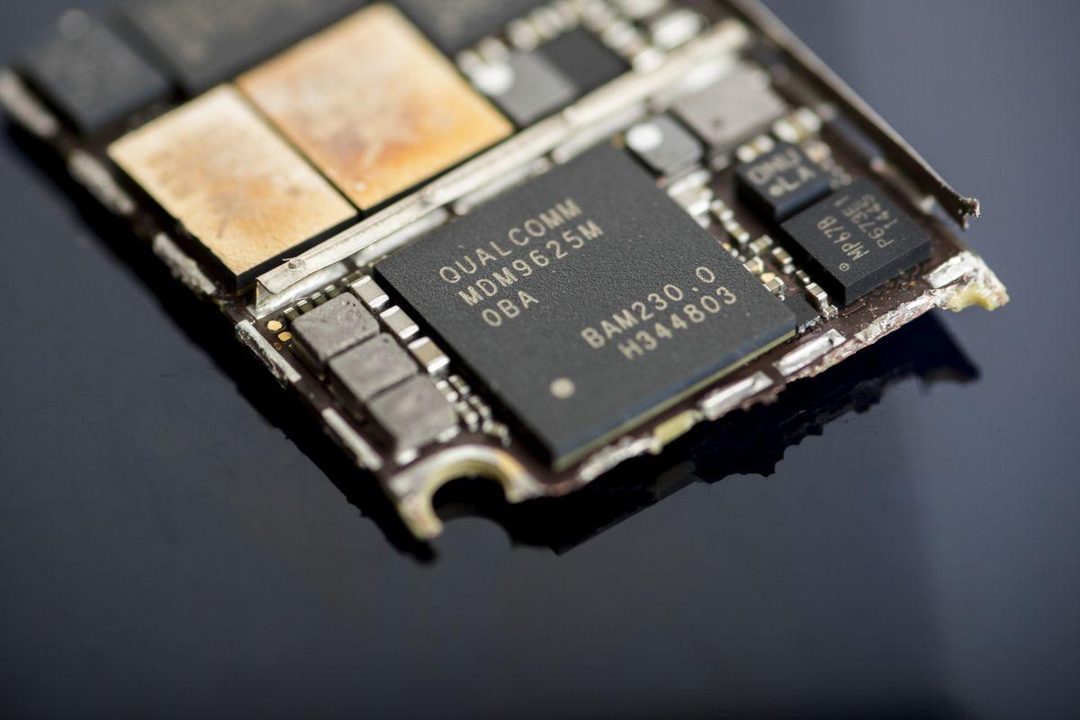 https://assets.sourcemedia.com/0d/6f/ff568d6344eba94b678ca489b17d/qualcomm-chip-three.jpg