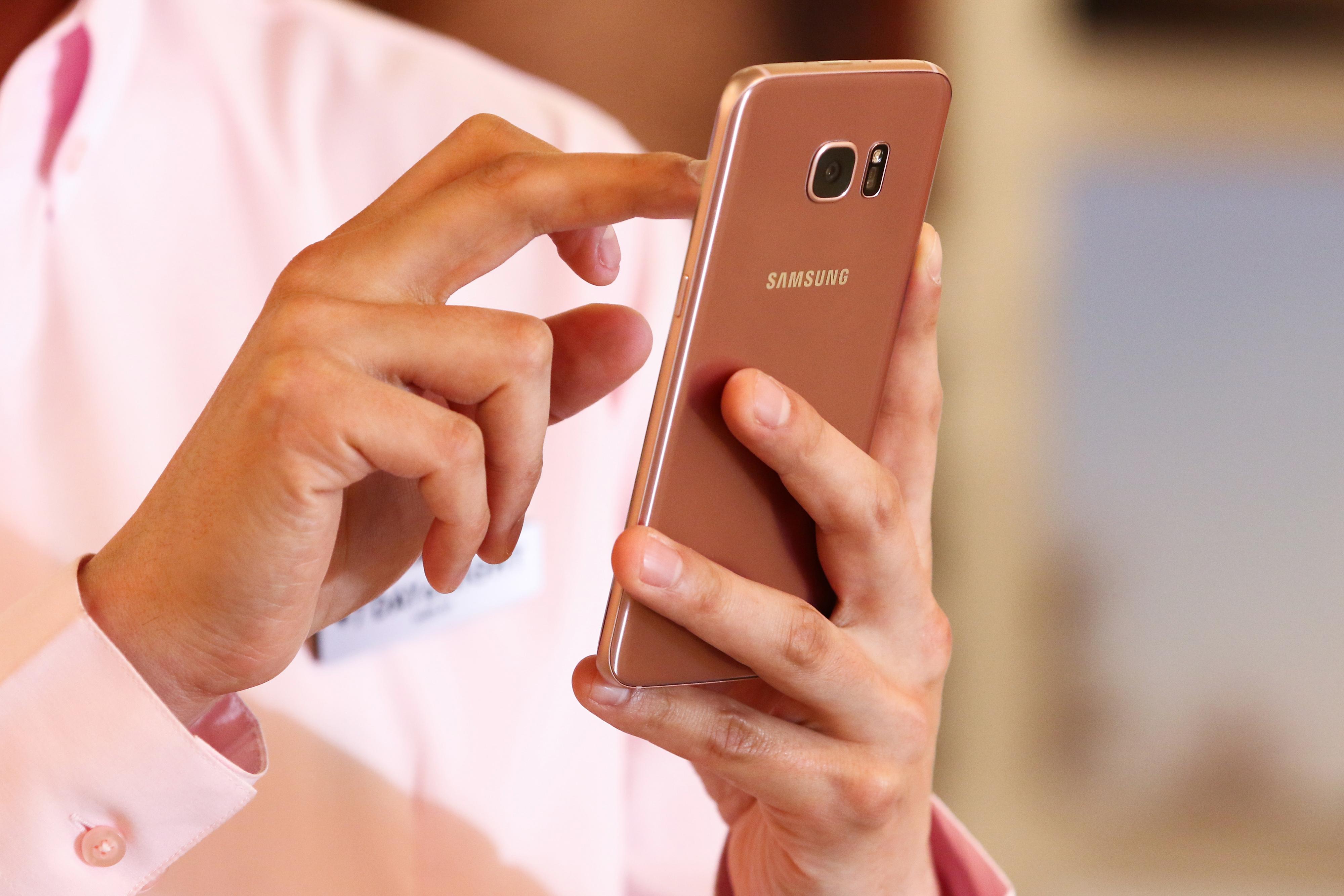 smartphone texting bloomberg
