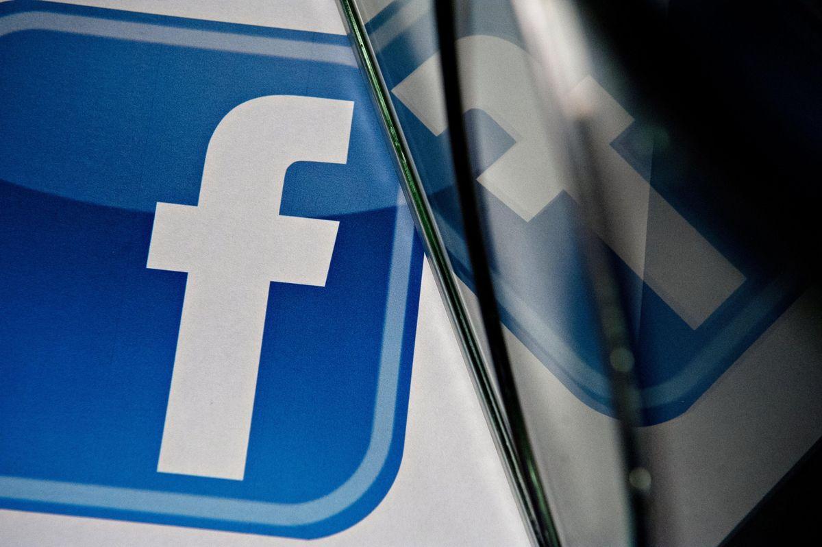 https://assets.sourcemedia.com/1e/9a/19f8040c4b8396d8cf5bc05f5d23/facebook-employee.jpg