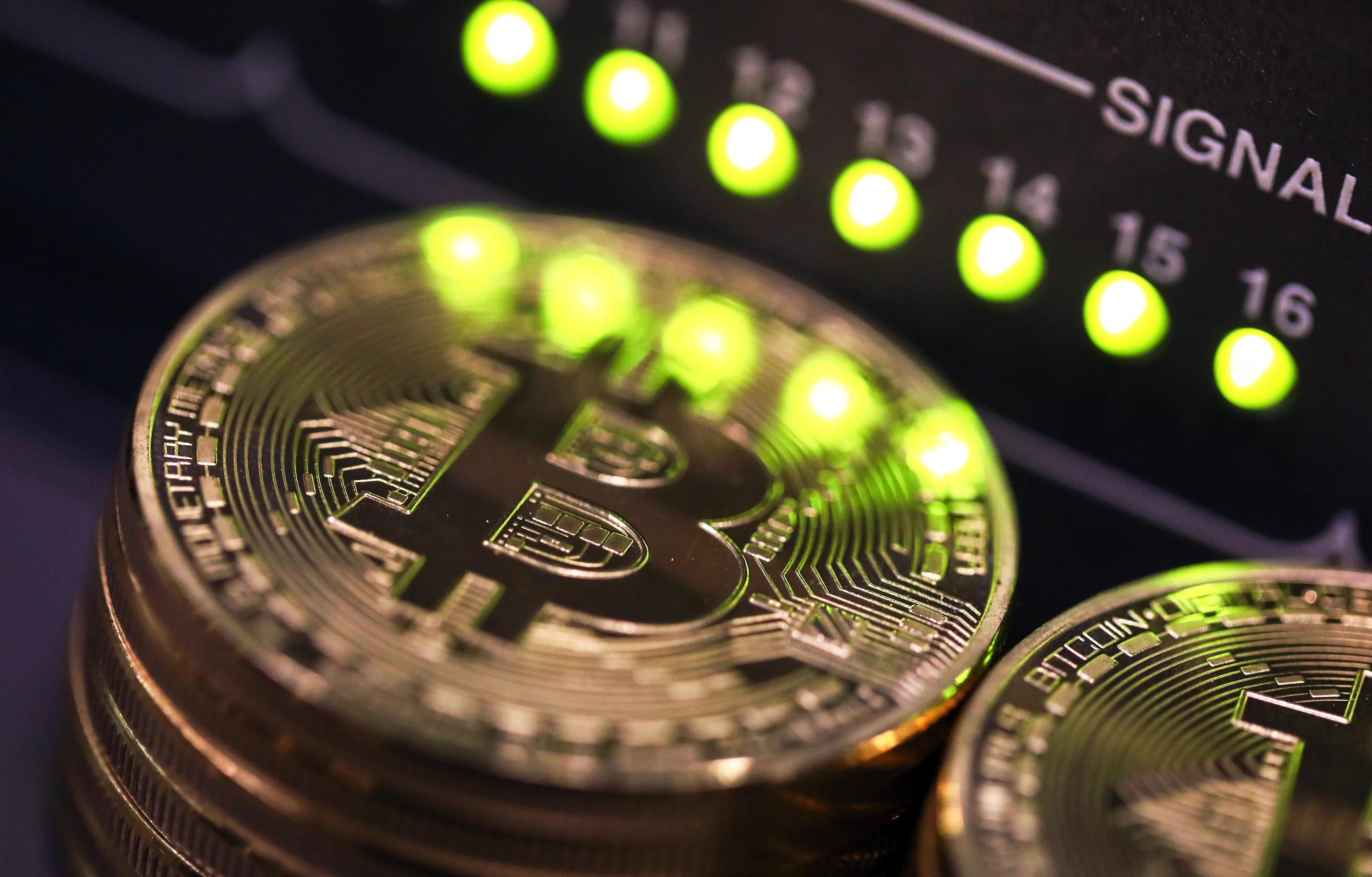 https://assets.sourcemedia.com/25/0d/e7bbfeb1496da36cb60f78be1a7b/bitcoin-bl-090517.jpg