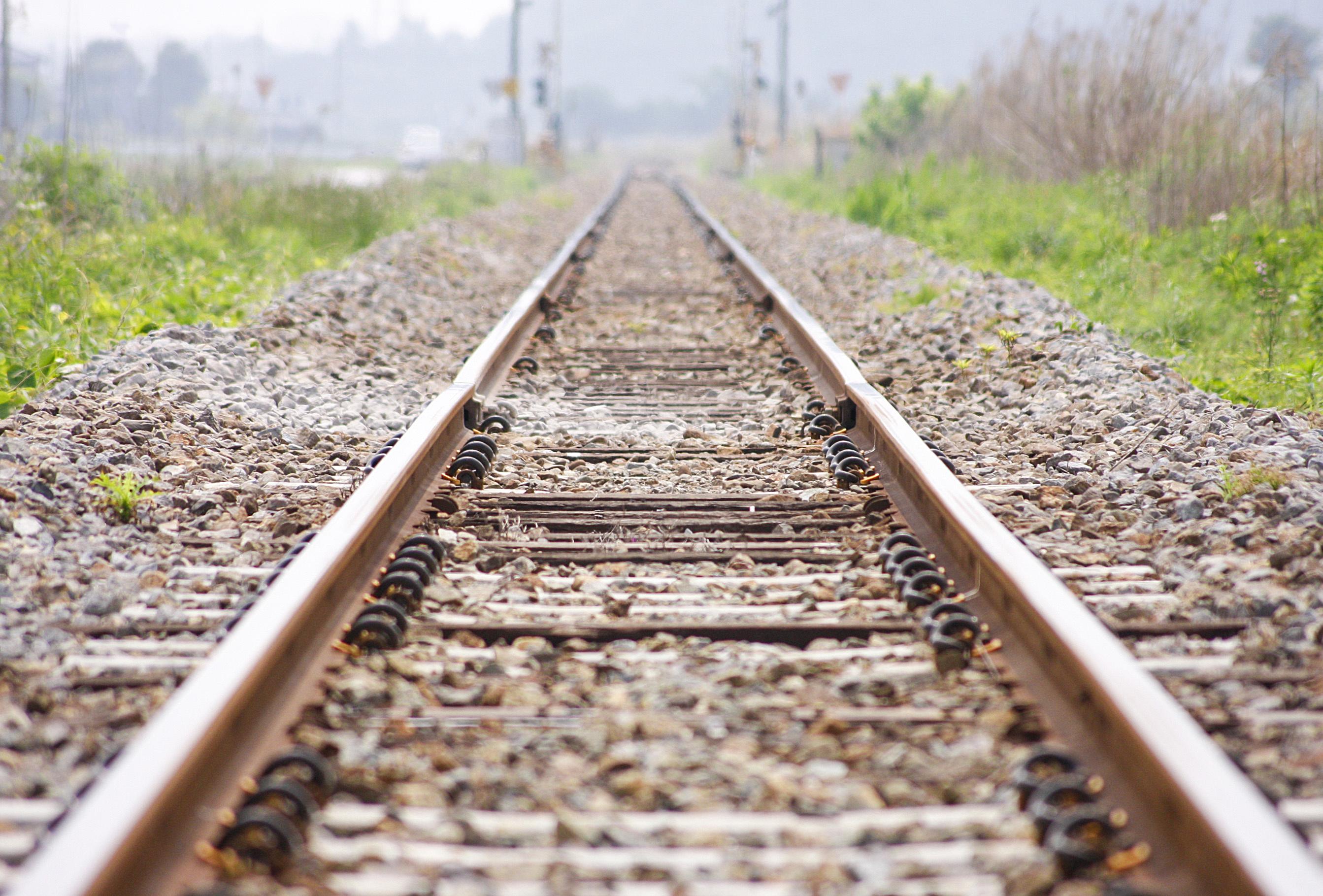 https://assets.sourcemedia.com/35/59/2fad20134c69a9c4207911d04eb0/rail-lines-71464086-adobe.jpg