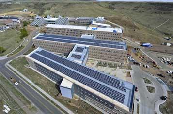 https://assets.sourcemedia.com/49/54/ec0cd19140f787ac4044288261be/nrel-roof-solar.jpg
