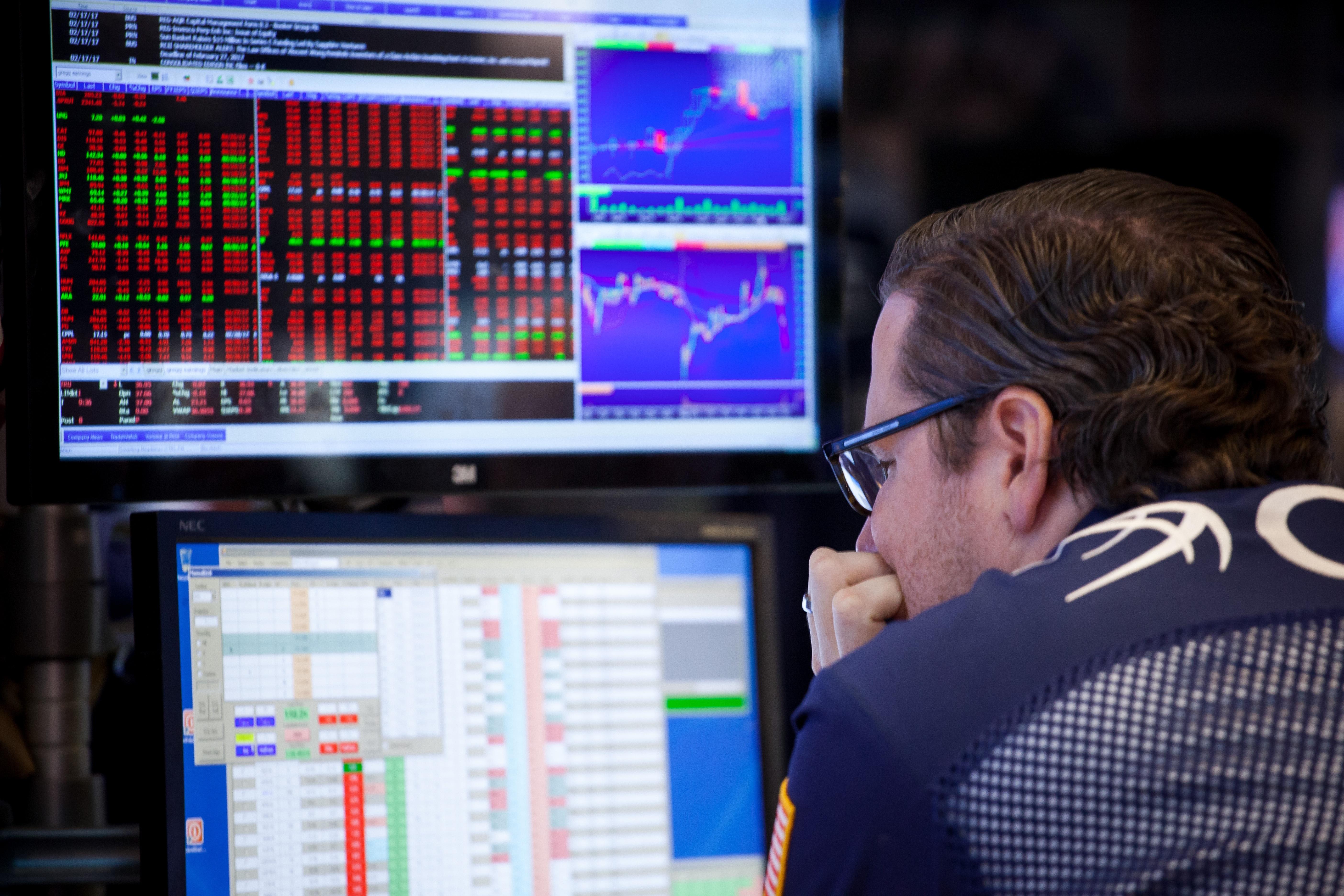 https://assets.sourcemedia.com/4e/54/3552422e4d5698b16efffd794e57/red-stocks.jpg