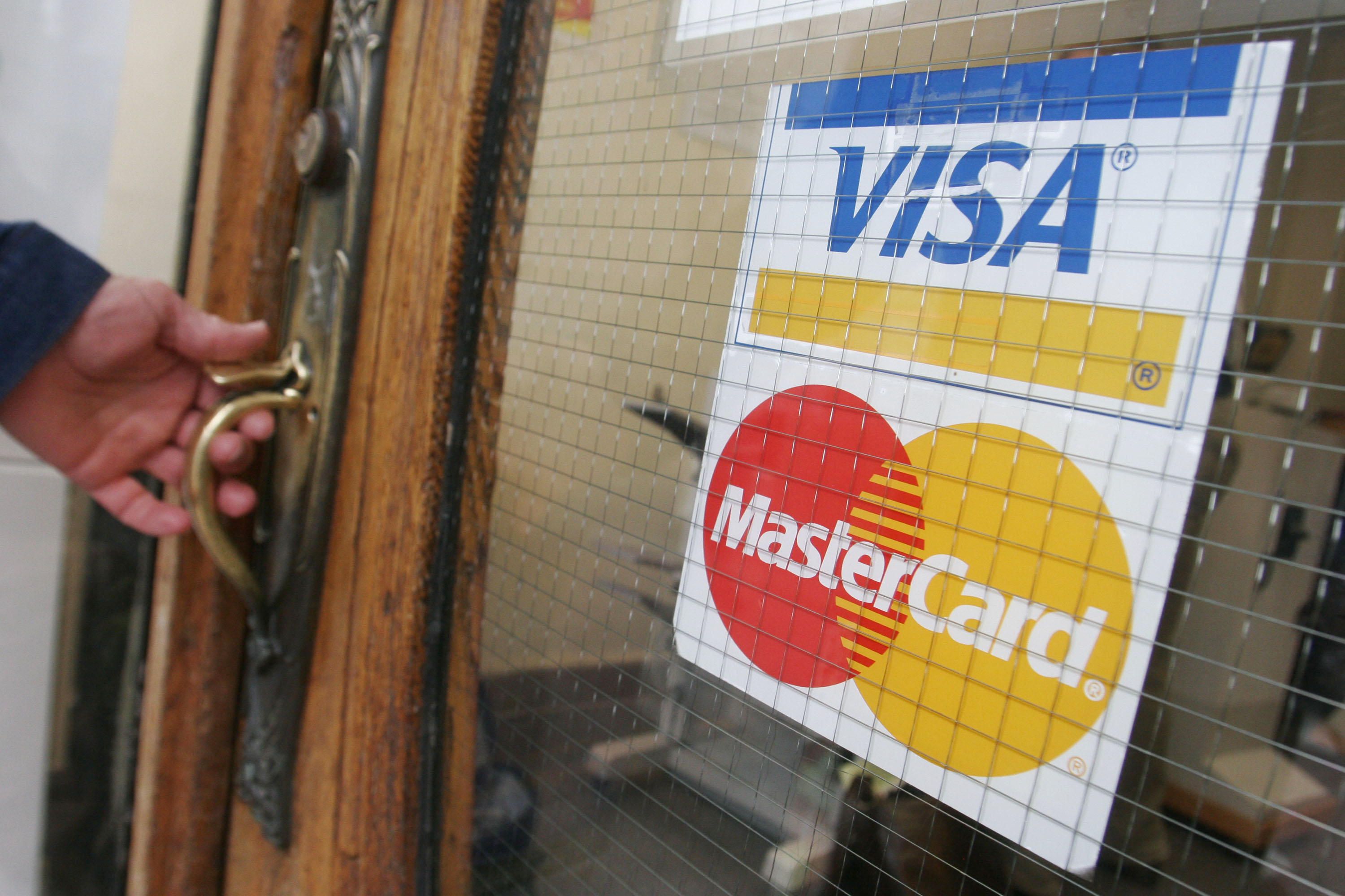Paythink Mastercard And Visa Should Eliminate Dynamic Currency Conversion