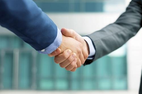 https://assets.sourcemedia.com/92/ee/a585042c41f7b1291cff154d414d/handshake-small.jpg