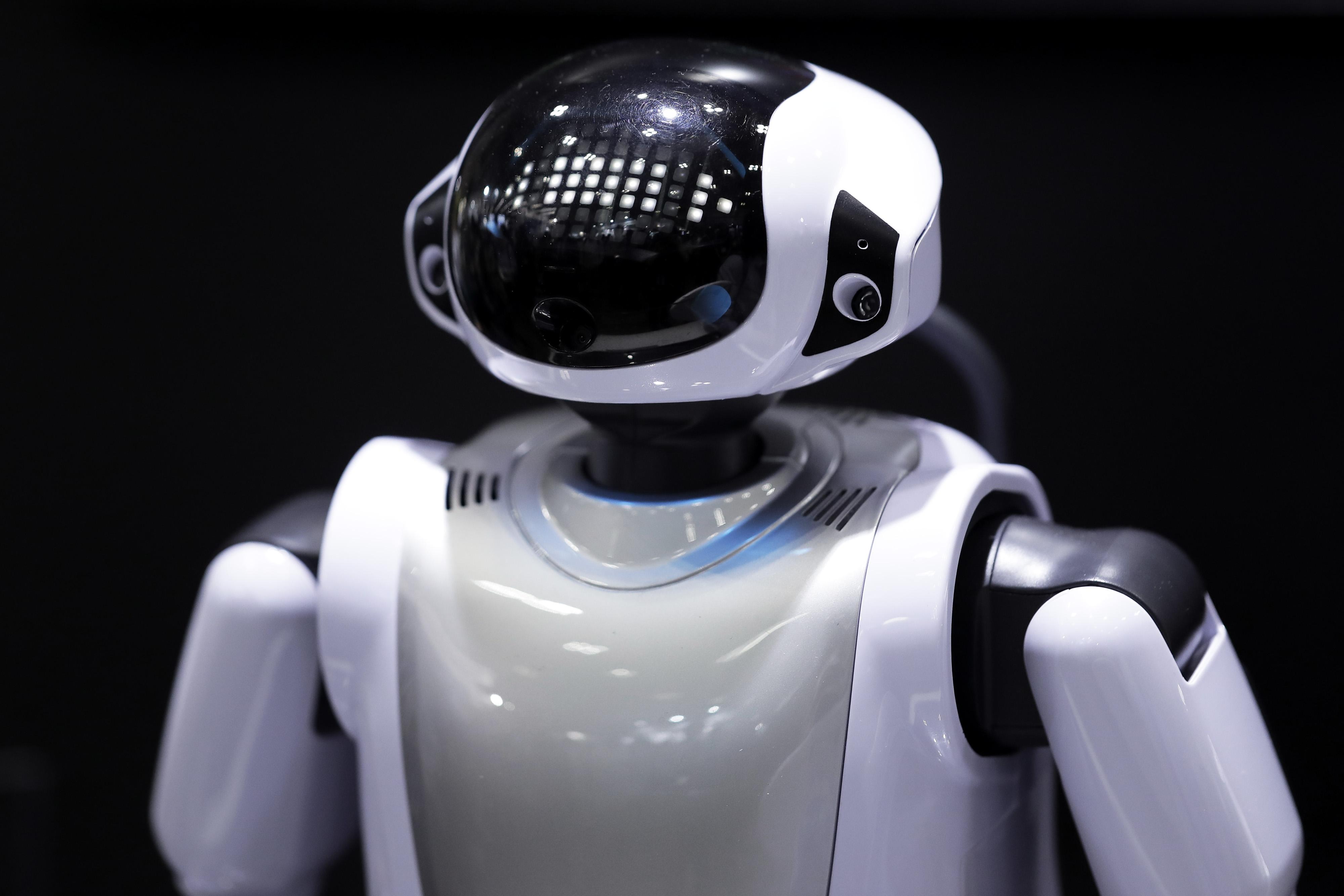 https://assets.sourcemedia.com/97/40/53a581ea438693d095121da19a0c/di-ai-robot-stock-043018.jpg