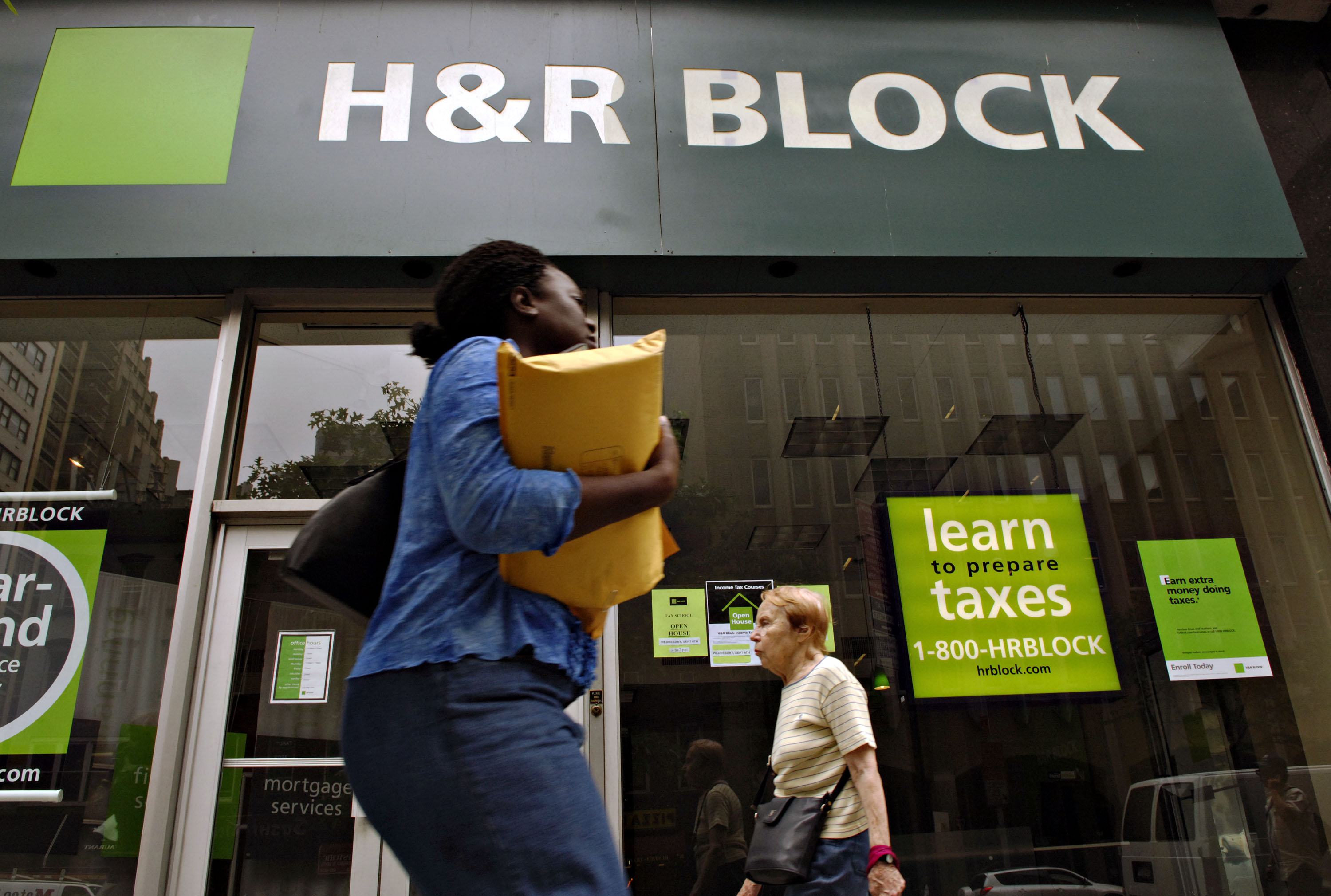 H R Block Plans To Close 400 Tax Prep Offices After Tax Reform