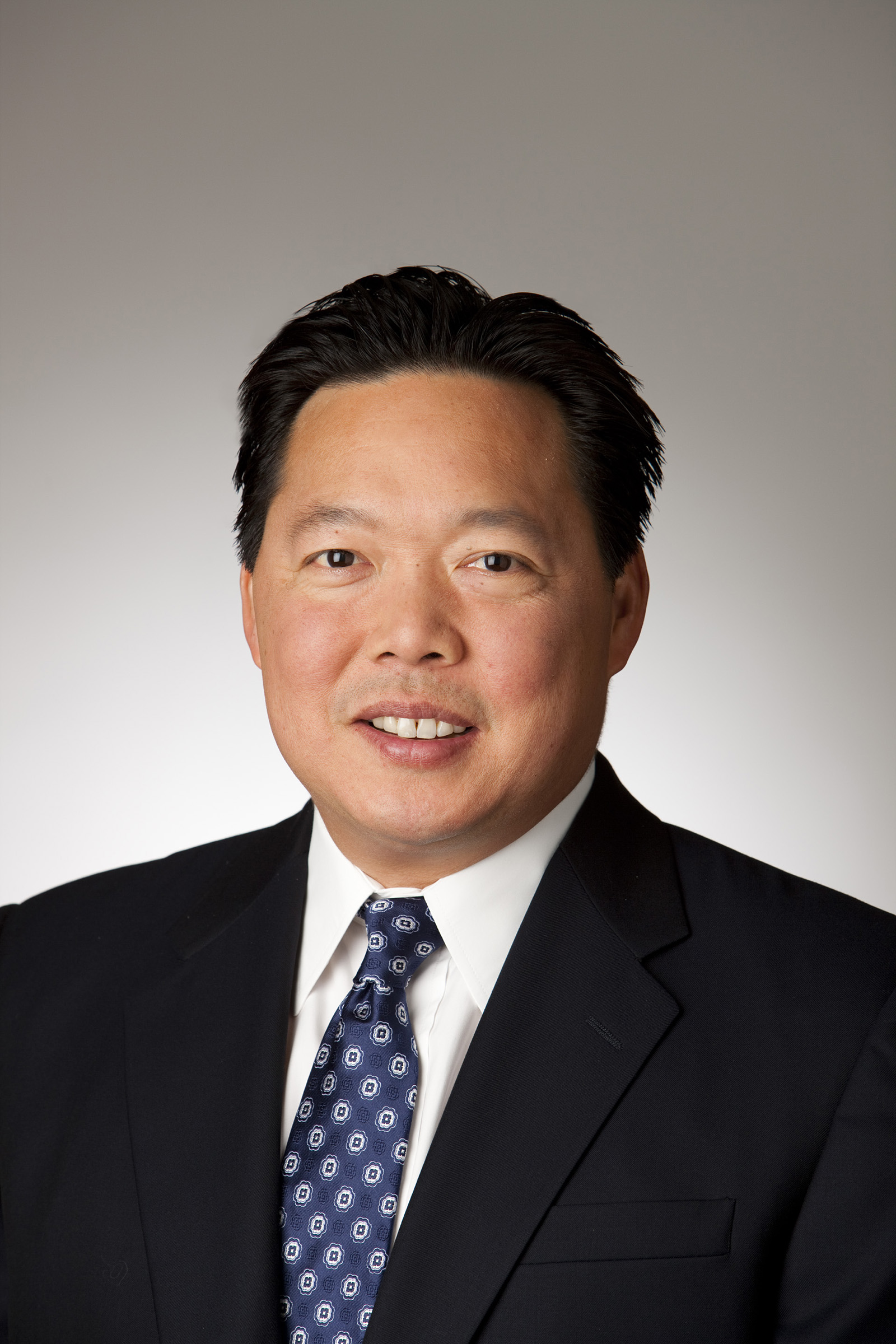 https://assets.sourcemedia.com/a8/c4/04defed040d8bc656d5e45bca3f5/ho-peter-chairman-and-ceo-of-bank-of-hawaii.jpg