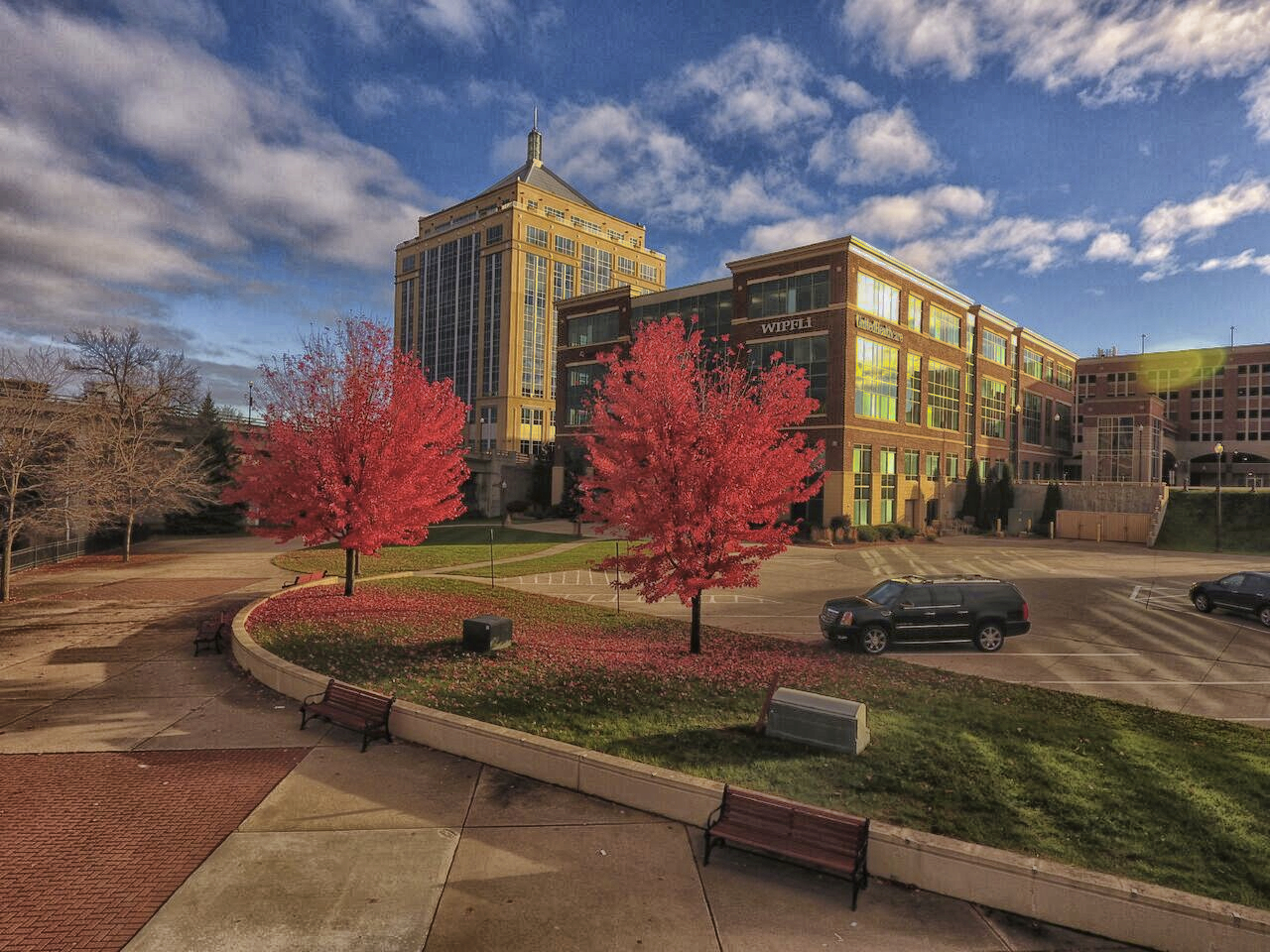 https://assets.sourcemedia.com/c0/cd/7b4cf6134cb898fc2646ce9008d8/wipfli-2016-photo-wausau-office-building-in-fall.jpg