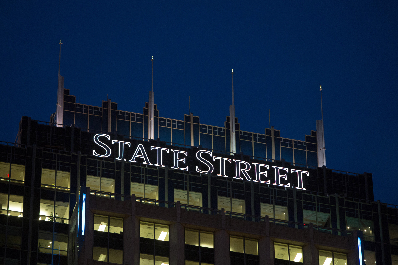https://assets.sourcemedia.com/c6/82/1c792cd54fe9ba5cd8b61003cf72/state-street-sign-bl-032318.jpg