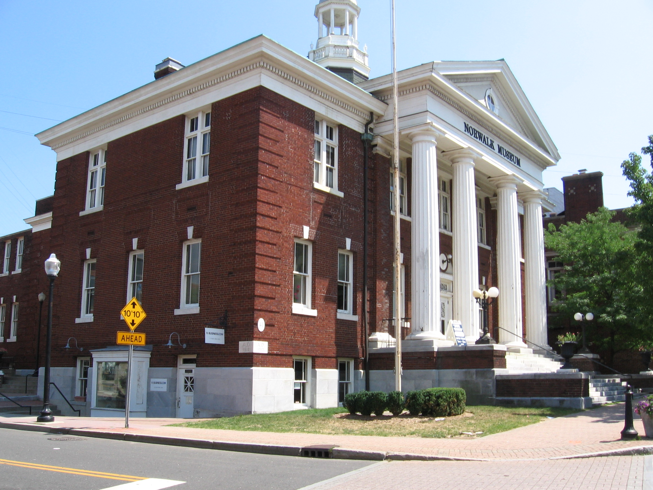 https://assets.sourcemedia.com/d7/60/1b81f29d47dd82af31bfd9eb561f/norwalk-museum-formerly-town-hall.JPG
