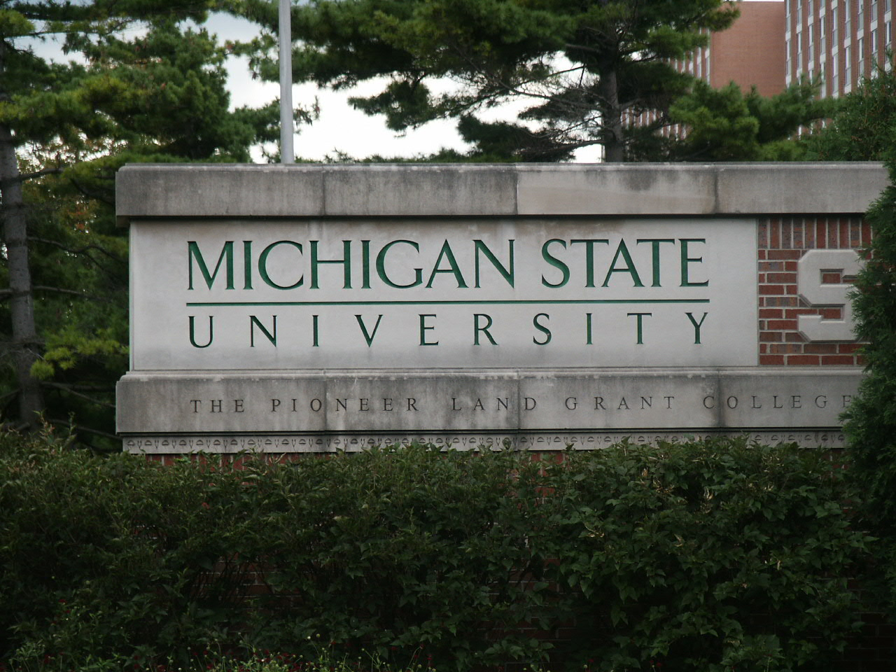 https://assets.sourcemedia.com/d8/0d/24304bff4250924ddd068f7936e9/michigan-state-university-sign.JPG