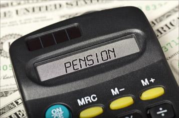 https://assets.sourcemedia.com/d9/30/5c3d81874eab9d5367115f83f55f/pension-calculator-istock-357.jpg