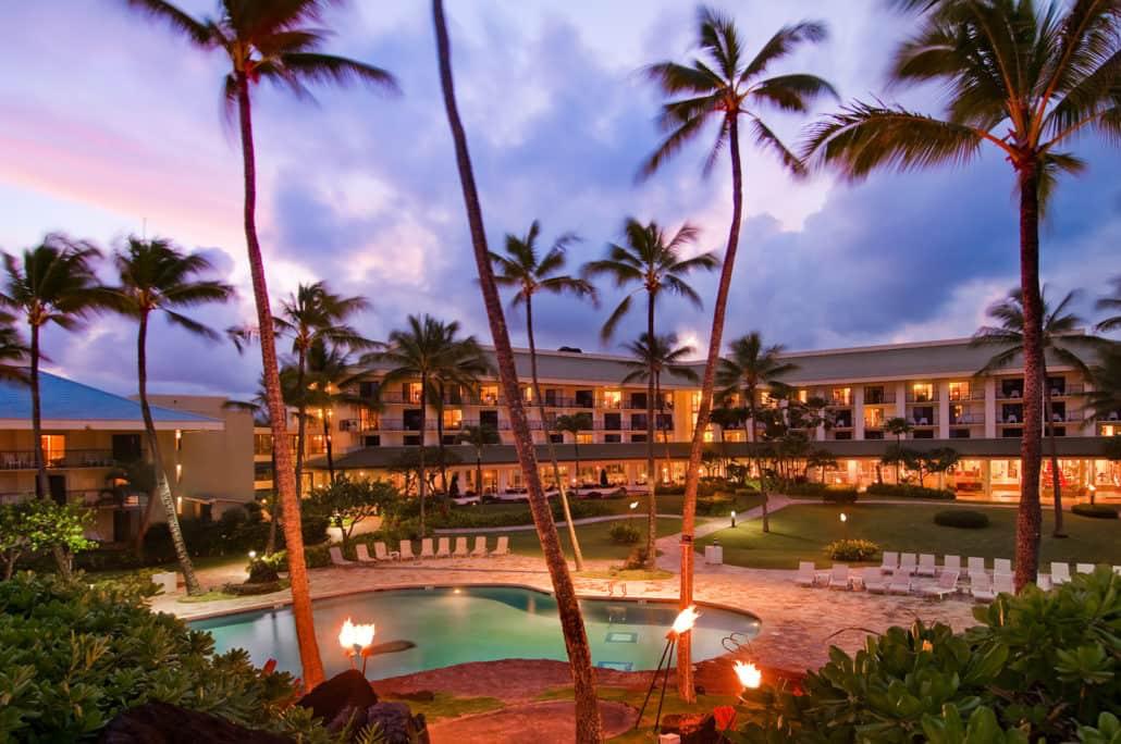 https://assets.sourcemedia.com/f5/a2/091371ab47f4a56afbb17c4a1dc5/ilg-kauai-beach-resort-pool.jpg